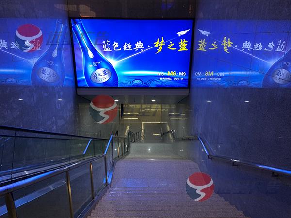襄阳东高铁站
